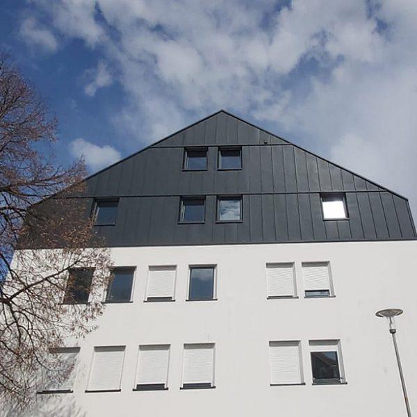 karl-goepfert-referenz-errichtung-blechdach-schuelerheim-wasserburg-am-inn-06